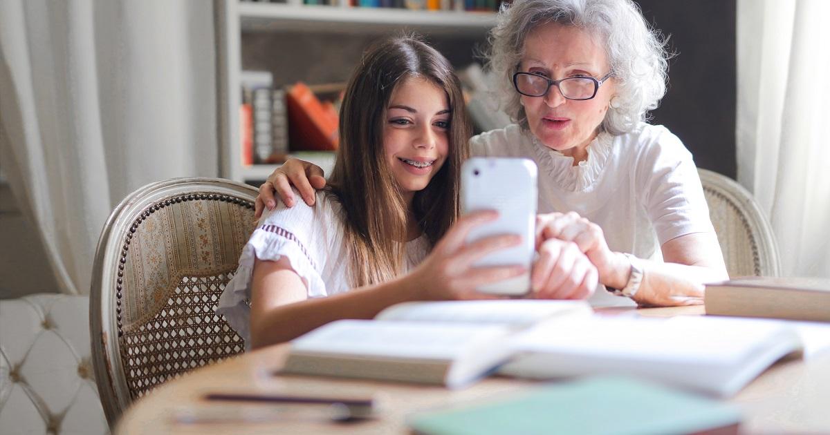 TikTok, il social dei giovanissimi. Le regole per usarlo con prudenza