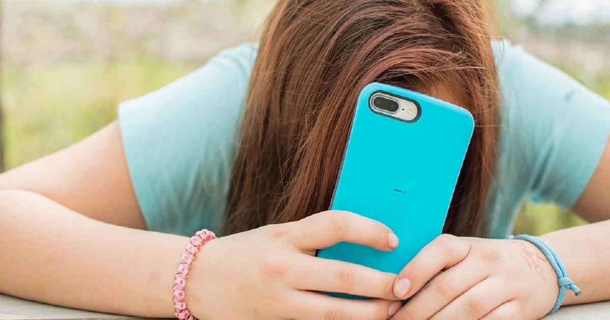 Adolescenti dipendenti dallo smartphone. Cosa sono le black phone box?