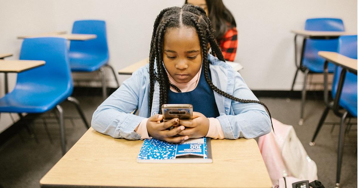 Coronavirus e cyberbullismo: come proteggere i minori che navigano in rete?