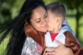 Affido. Reggio Emilia. Mamma bacia il figlio dopo 4 mesi di lontananza: multa da 400 euro!