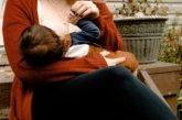 Allattamento al seno. Le assicurazioni dell'OMS per le madri positive al Covid