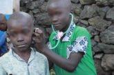 Congo. Romain, orfano di guerra, ha una sola ambizione: diventare medico. Ma ha dovuto interrompere gli studi