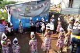 Congo - Festa dell'Epifania: i bambini in cerchio cantano il loro amore Nakupenda, nakupenda