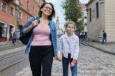 Adozione internazionale. Come possiamo capire che limite dare all'età massima del figlio, se non è specificato nel decreto o nella relazione?