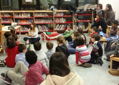 bambini-in-biblioteca-780x585
