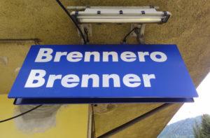 migranti minori dall'Africa in viaggio verso il Brennero