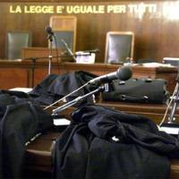 aula-tribunale 200