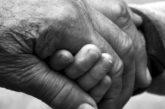 Abbiamo 67 anni entrambi, siamo sposati da 38: troppo tardi per pensare a un affido?