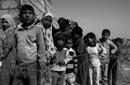 siria, tra bombe chimiche e 'intelligenti', i bambini hanno bisogno di aiuto