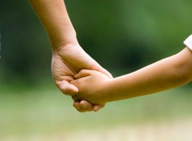 """adozione, è una cosa meravigliosa """"perchè posso festeggiare il compleanno con una mamma e un papà"""""""