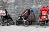 In Italia la famiglia rischia l'estinzione. E i giovani si vedono sempre più a casa con mamma e papà