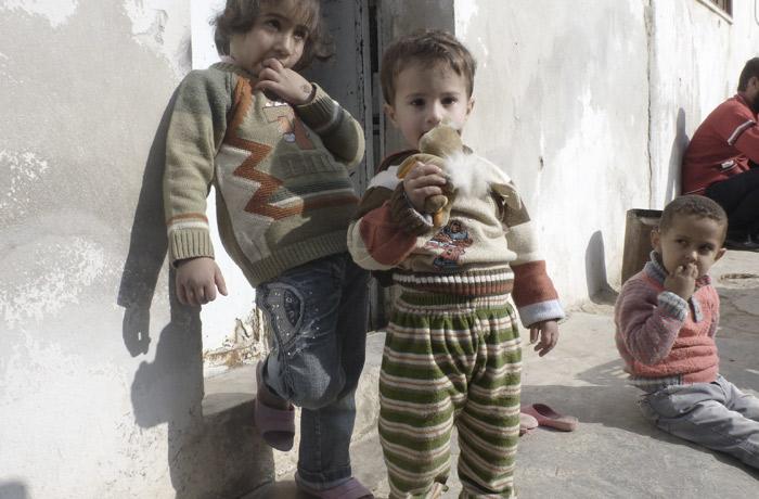 siria. Tra i bombardamenti e i profughi che hanno bisogno di aiuto, una proposta di pace