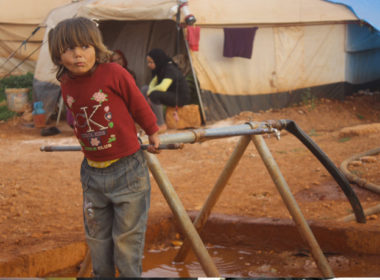 siria, i bambini e le famiglie vittime della guerra e del freddo