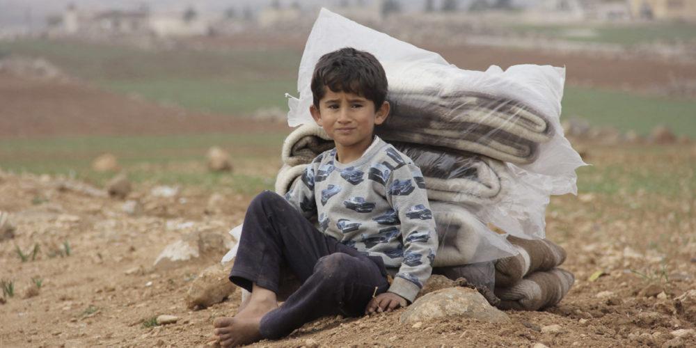 siria. Altri 10mila sfollati fuggono dalle bombe: Ai.Bi. sul terreno per dire 'Non Lasciamoli Soli'