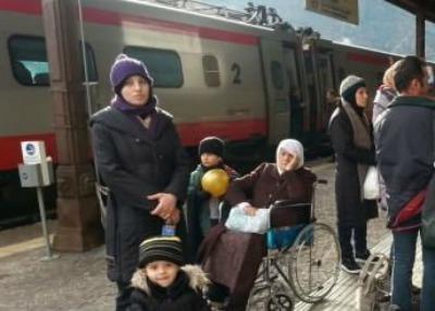stazione bolzano migranti 400 286