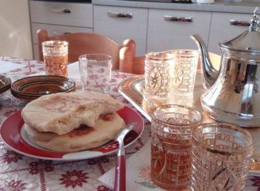 thè e pane arabo