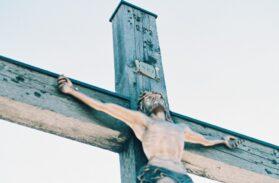 Alberto Cozzi: il libero affidamento di Gesù sulla croce (7)