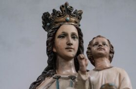 Maria nel mistero dell'abbandono: il saluto dell'angelo (7)