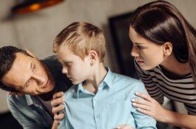Settimana Santa. Prendono in giro mio figlio perché va alle funzioni religiose. Come posso aiutarlo?